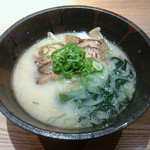 ラーメン奈々 - 料理写真:とんこつらーめん(690円)