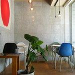 SUNNY PLACE CAFE - アメリカンなポップカフェ。