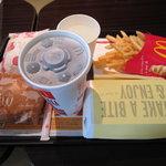 マクドナルド - てりやきチキンフィレオ・カリフォルニアコブ・マックポーク・ポテト
