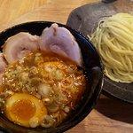 つけ麺屋 やすべえ - 【2011/7】辛つけ麺(並)+半チャーシュー煮玉子