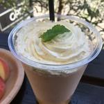 桃の農家カフェ ラペスカ - 桃のスムージー