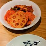 焼肉ホルモンブンゴ - キムチ盛り合せ