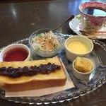珈琲茶房じょいん - 料理写真:ブレンドコーヒー400円とモーニング