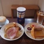 ワンルームコーヒー - 2種のトーストモーニング NEEDsとHIGUBAGELのパン