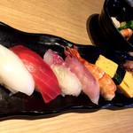 87725582 - 寿司定食