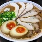 ラーメン あおやま - 料理写真:鶏白湯ブラウン+味玉+肉増し