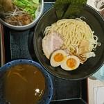 鶏白湯らーめん自由が丘蔭山 - 料理写真: