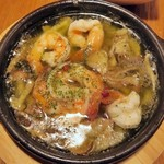 魚介酒場 北町商店 産直牡蠣と鮮魚のカルパッチョ - 海老ときのこのアヒージョ¥680