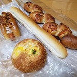 ジャック  - 「ジャック」さんでパン買ってきた