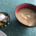 Hokushinkenshiyokudou - お新香とみそ汁