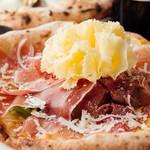 ピッツェリア ピアット - 生ハムとセルバチコのピッツァ