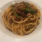 ビアンカーネ - パスタは美味しいです トマトソースが非常に丁寧に作られていてコクがあります 鴨がちょっと負けています