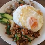 アジアンカフェ ダオタイランド - どっちも食べられる幸せ!