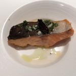 セレスティ - 鱒のミディアムレア ライムとハーブのソース