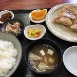 餃子のあひる - 料理写真:餃子定食