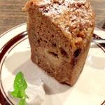さらさ焼菓子工房 - アップル ウォルナッツ ケーキ