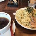 麺や ようか - 醬油つけそば(¥730)+麺大盛(¥30)