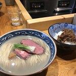 麺屋 坂本01 - 料理写真:夏の暁をしのぐ夏の牡蠣 (塩) ¥1,000  特製和牛時雨煮御飯 付き