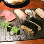 寿司居酒屋 あげまき - 握り寿司と増田牛の押し寿司盛り合わせ