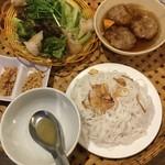 ベトナム料理コムゴン - ブンチャーランチ