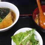 87752135 - 暖かい蕎麦と親子丼セット(650円)