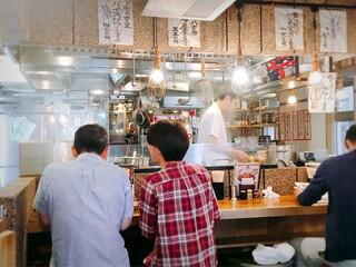 博多うどん酒場イチカバチカ 恵比寿店 - カウンター席