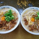 87756151 - 左:中華蕎麦   右:特製蕎麦