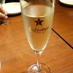 87757609 - 乾杯スパークリングワイン