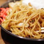 焼きそバー キノコヤ - 麺