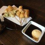 ちょんたま食堂 - とんぼの串揚げ       とんぼって昆虫じゃないよ?高松市では有名だった串揚げ屋さんの屋号       元とんぼの店主が揚げてる