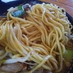 ラーメン13号 - 二郎系 麺アップ