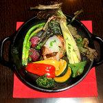 Osteria Matagi - 野菜のダッチオーブン焼き