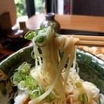 美々卯 - ツルツル細麺