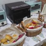 ココロキッチン - 料理写真:パン食べ放題