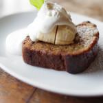 ラ・メゾン・アンシェンヌ - バナナと黒蜜ブレットケーキ