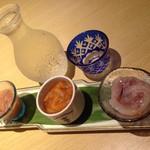 お食事処 なかさと - 料理写真:鶴齢(牧之 大吟醸 生詰原酒) ¥2,200 イカの塩辛三昧盛り ¥600