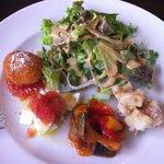 8778503 - サラダと前菜の盛合せ