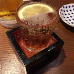 もつ焼きのんき - のんきハイボール 冷や冷やこぼれ枡¥180(税別)