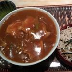 豊年屋 - カレー丼 サービスのミニそば付