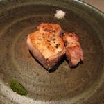 erre - 雪室で低温熟成した新潟産豚のロース 薪焼き