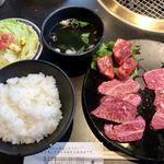 おおつか - 料理写真:カルビ盛合わせランチ1296円