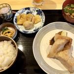 飯田橋 喝采 - 豚トロ厚切り焼き定食1000円