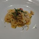 トラットリア・サルーテ - 魚と新玉ネギのオイルソース
