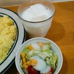 かれーの店 ポカラ - +50円になる夜カレーにもサラダまではつきます。