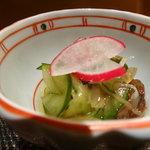 Yamachou - お通し クラゲ酢の物