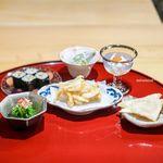 あらいかわ - 白海老の天ぷら 毛蟹、ベシャメルソース、 このわたの巻き物、大葉 菜の花のお浸し 秋田県こごみの白和え 白魚、いくら