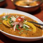 タンドールバル カマルプール - 料理写真:2018.6 シーフードと夏野菜 冷やしカレー(1,300円)