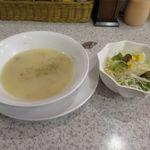 ステーキハウス88 - 先ずはスープとサラダです