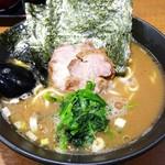麺家 黒 - ラーメン 650円