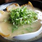 西谷家 - 白チャーシュー麺830円。